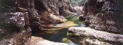 canyon_caves_08.jpg