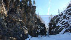canyon_caves_21.jpg