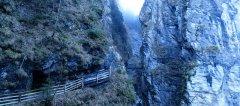 canyon_caves_22.jpg