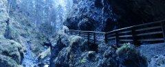 canyon_caves_29.jpg
