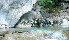 canyon_caves_33.jpg