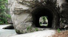canyon_caves_39.jpg