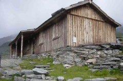 hut_house_014.jpg