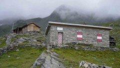 hut_house_015.jpg
