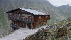 hut_house_016.jpg