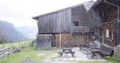 hut_house_029.jpg