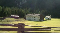 hut_house_044.jpg