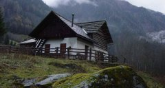 hut_house_070.jpg