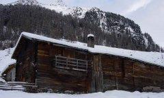 hut_house_090.jpg