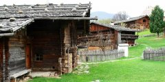 hut_house_098.jpg