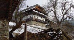 hut_house_106.jpg