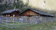 hut_house_114.jpg