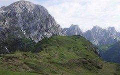 mountains_green_106.jpg