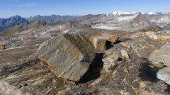 mountains_green_141.jpg